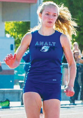 Maddie Windsor, track team