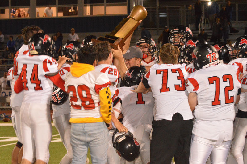 SW_football_apple_bowl_victory_celebration.jpg