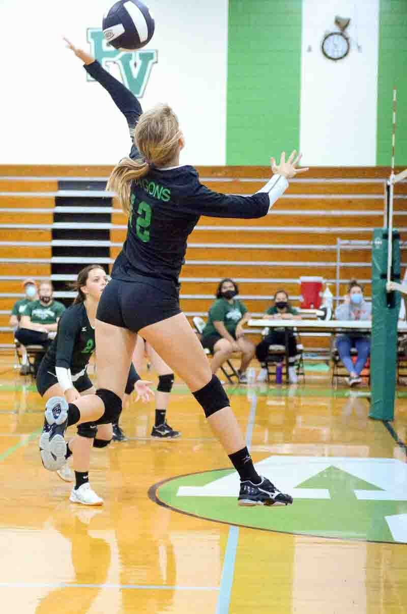 Lady Dragons Cruise Past Franklin