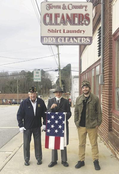 Local dry cleaner honoring veterans for 45 years