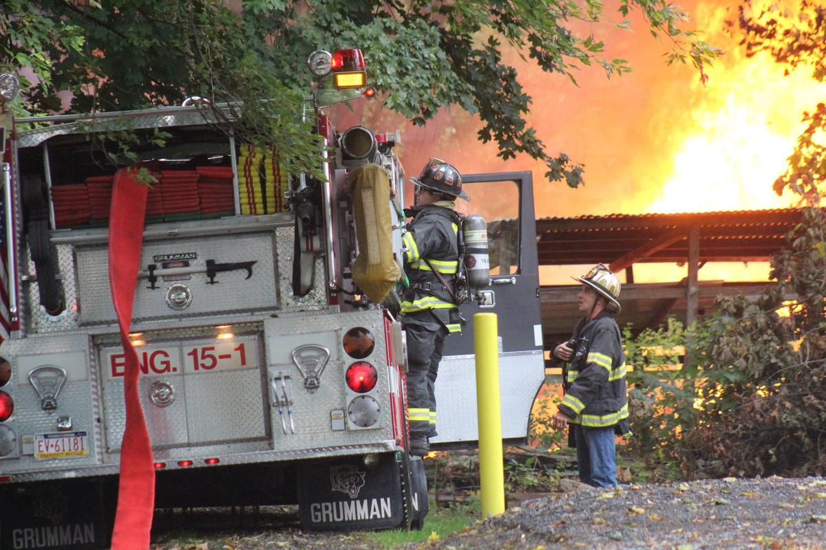 Fire destroys Milton garage