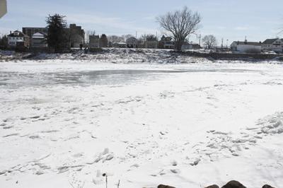 Deep freeze has meteorologists focusing on river | Free