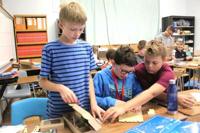 WR students building computers