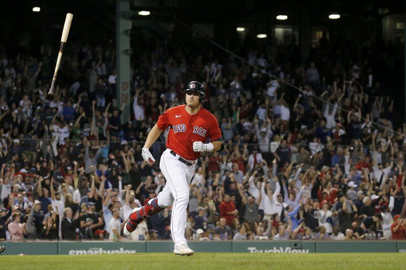 Schwarber, Red Sox beat Indians 8-5 for 3rd straight win