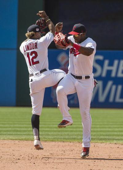 Ramírez homers again, Indians sweep Rangers in doubleheader
