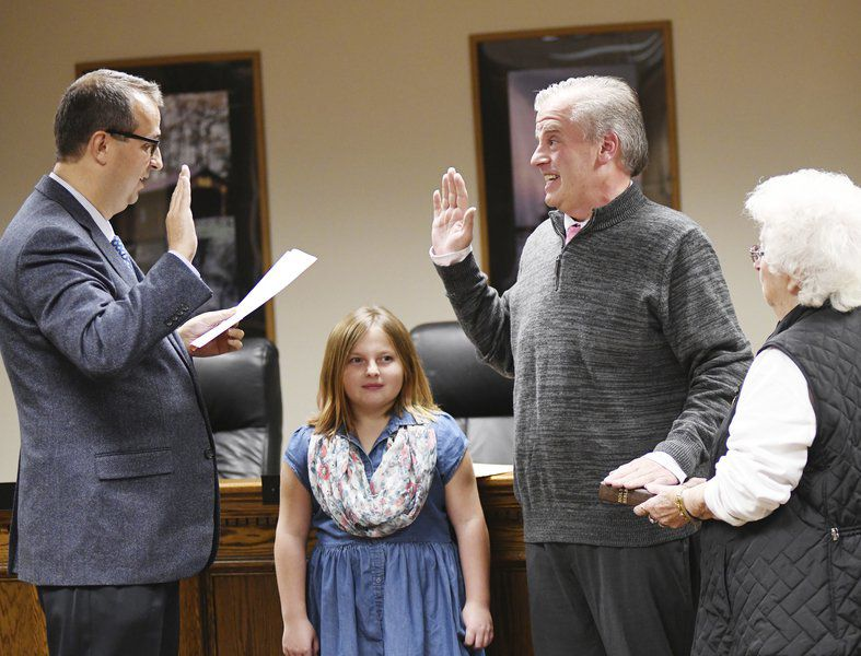 Ashtabula officials sworn in at ceremony