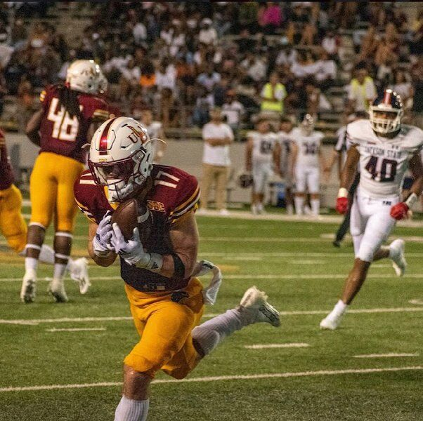 Jefferson graduate Knight creating a buzz at ULM in football