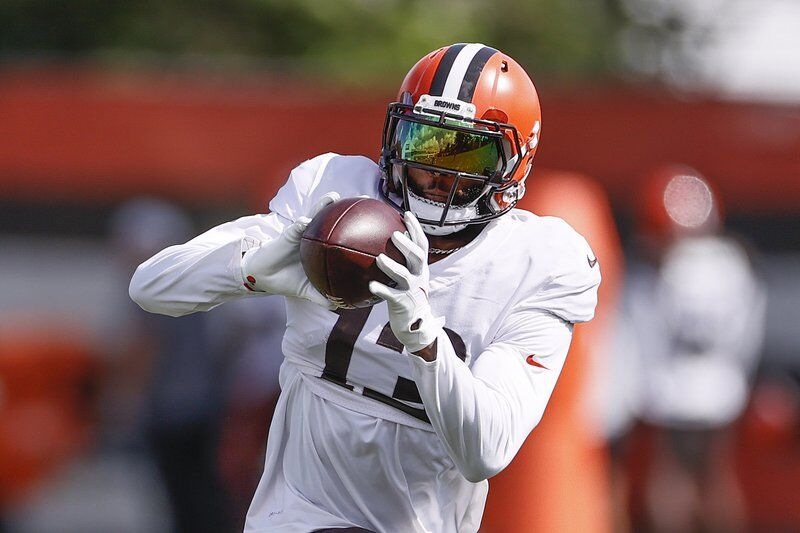 Browns' Beckham not ready after surgery, 2021 debut delayed