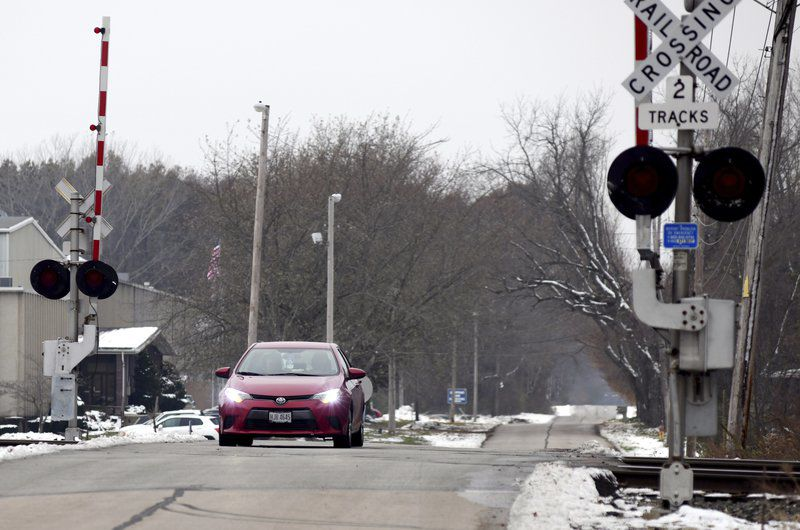 Blocked railroad crossings cause traffic problems in Conneaut