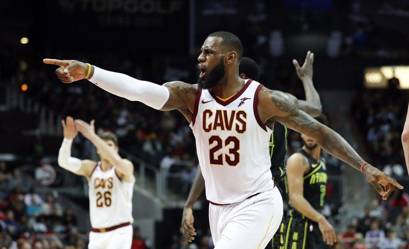 Korver has 30, James posts triple-double as Cavs top Hawks
