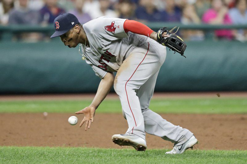 Sale reaches 2,000 strikeouts, BoSox edge Indians 7-6 in 10