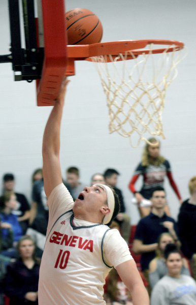 Geneva's Stoltz transitioning from basketball to baseball