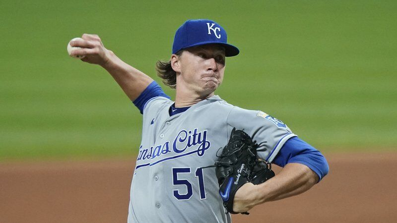 Singer flirts with no-hitter for 8, Royals beat Indians 11-1