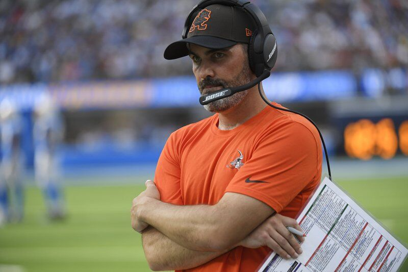 """Browns' Stefanski admits he's """"sick"""" about late play-calling"""