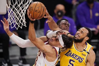 Sacramento takes on Cleveland after Fox's 44-point game