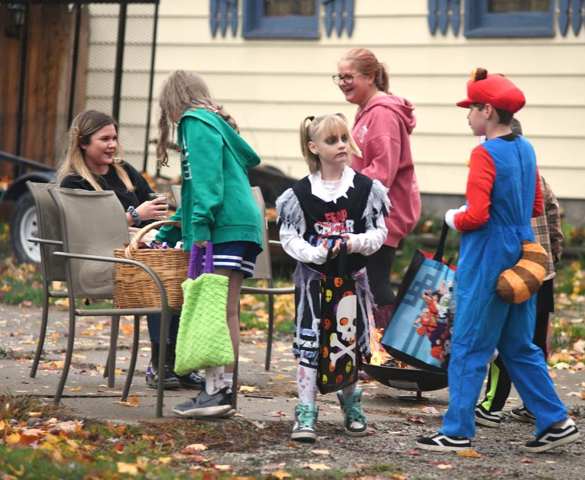 1102 trick or treat 11