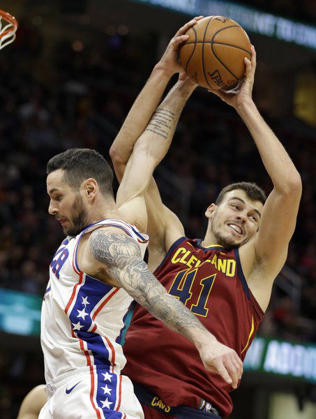 James has 58th career triple-double; Cavs rally past 76ers
