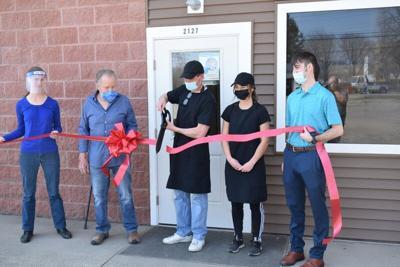 Schnoogumsopens doors for business in Austinburg