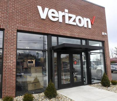 Verizon moving to new location next to Chipotle