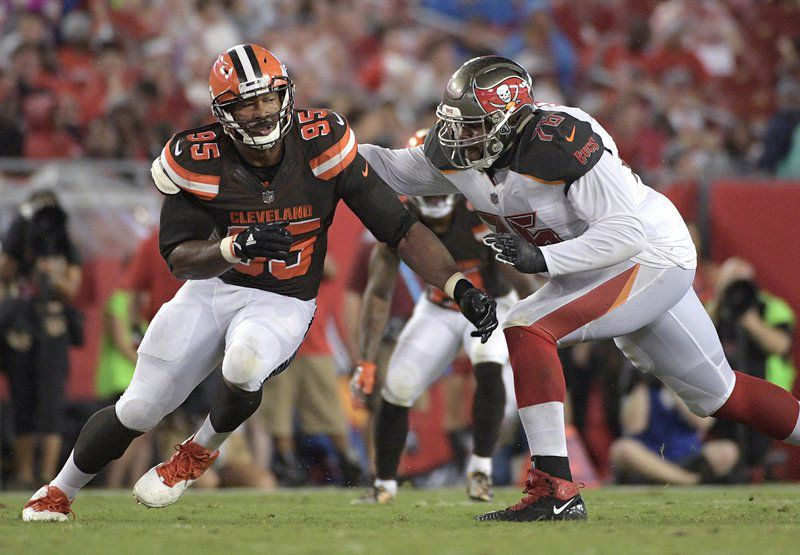Browns' Myles Garrett tweaks ankle in practice