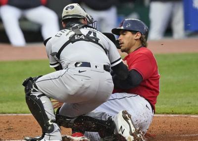 Rodón, Abreulift White Sox past Indians