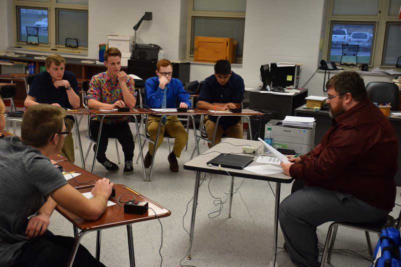 Knowledge and power -- Geneva wins Quizbowl
