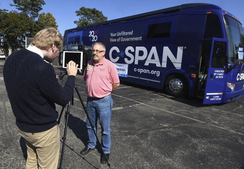 C-SPANbusrolls into town