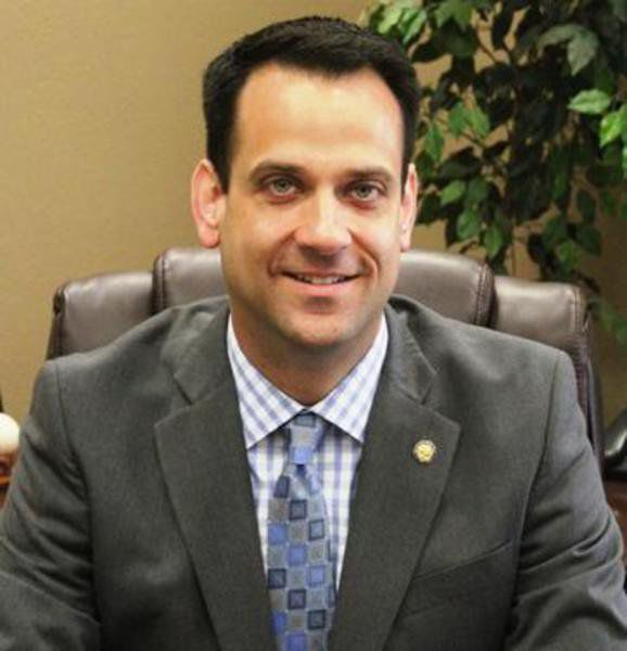 Timonere to face off with Hamilton in city manager race