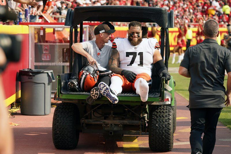 Browns tackle Wills day to day with ankle; OBJ not ready