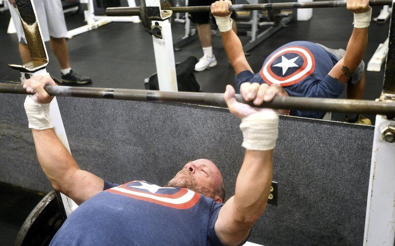 Bench press competitionlifts sportsmanship