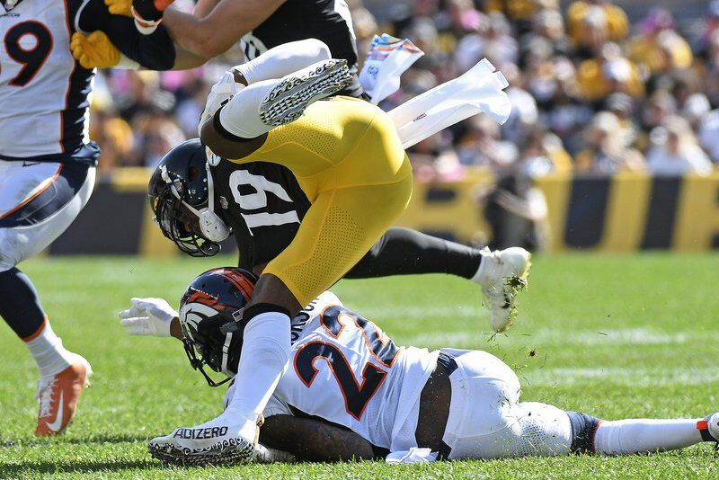 Shoulder injury ends season for Steelers WR Smith-Schuster