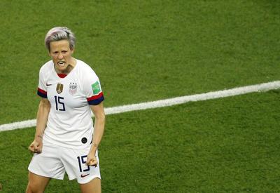 Rapinoe has 2 goals, US knocks France out 2-1