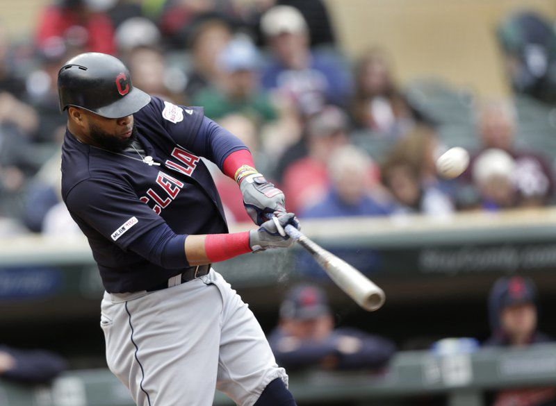 Clevenger gets 10th straight win, Indians beat Twins 5-2