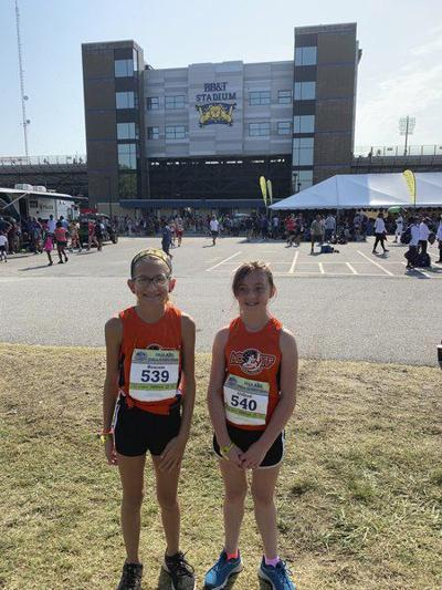 Beacom, Giffordcompete in Junior Olympic National Track Championships