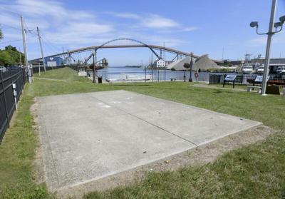 Pavilion to be built on riverfront