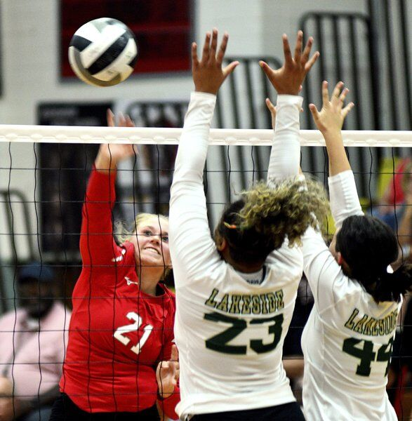 Edgewood outlasts Dragons in 5 sets