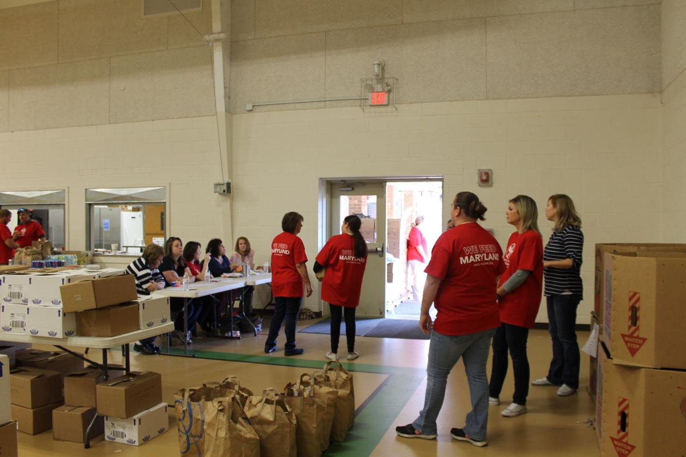 Easton Church of God hands out 900 Thanksgiving meals to local families in need.