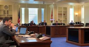 Lawmakers debate smart gun tech for police
