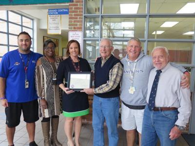 Easton Elementary - Moton honors veterans
