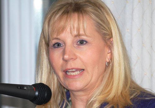 Liz Cheney says working with her VP father on his book was ...