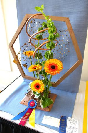 Queen Bees aim to please at Garden Club's flower show