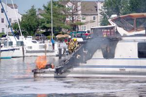 Information sought in house boat fire