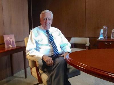 Steny Hoyer sees experience as his advantage
