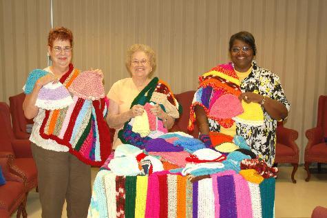 Ki Seniors Knit Caps Lap Robes For Hospice News Stardem Com
