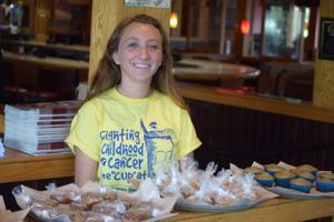 Applebee's raises money to fight pediatric cancer