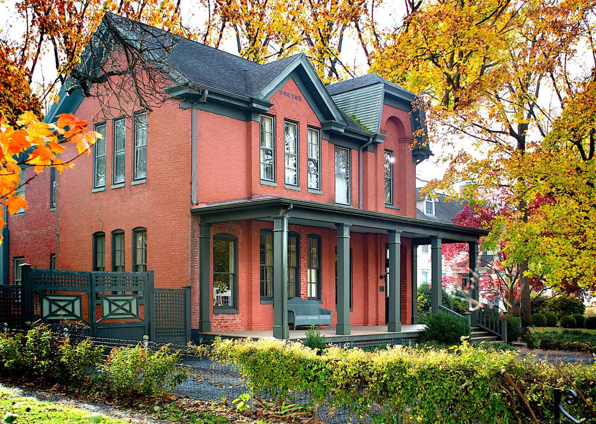 Holiday Candlelight Tour of Historic Homes