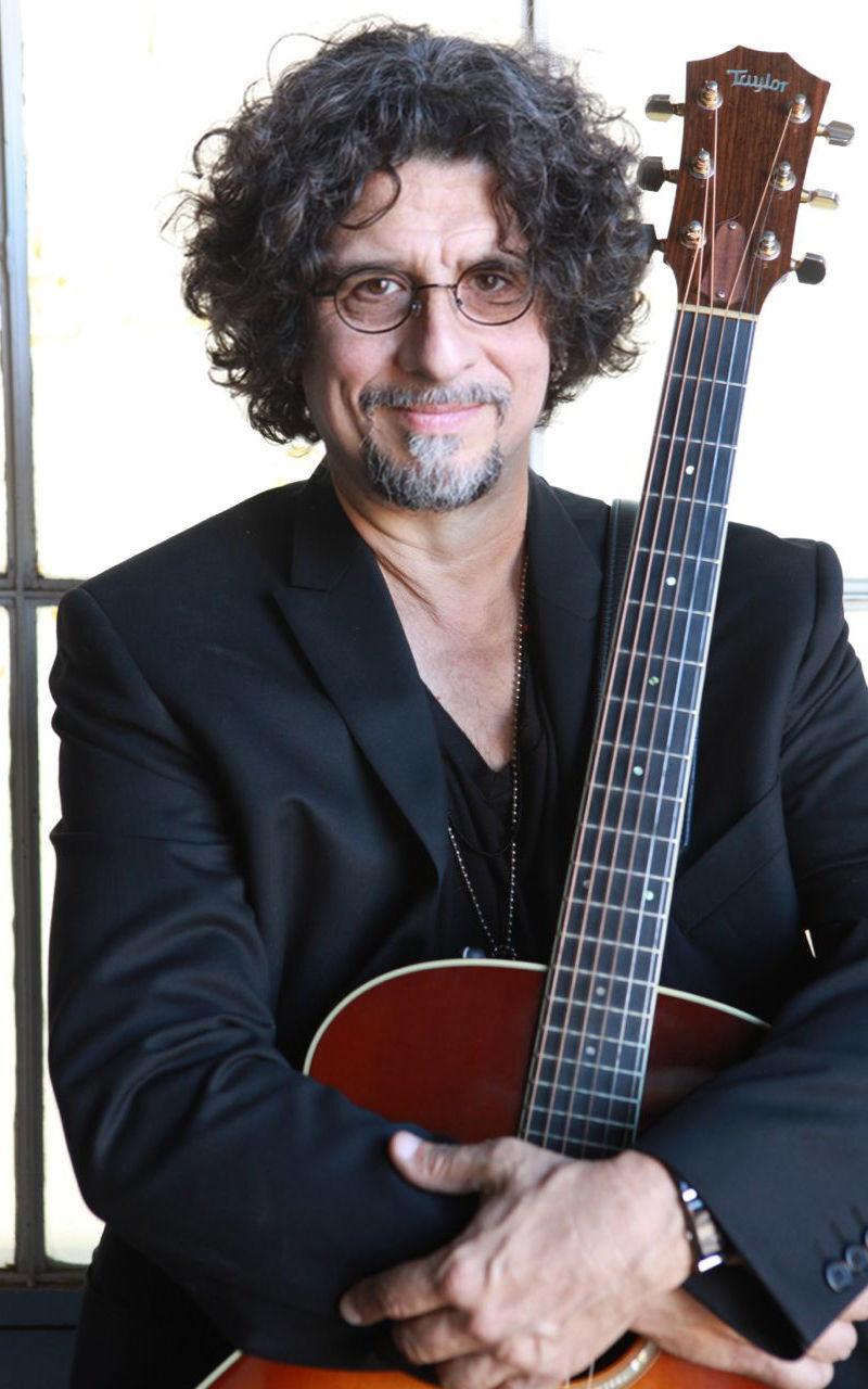 Dan Navarro brings his music back to Easton