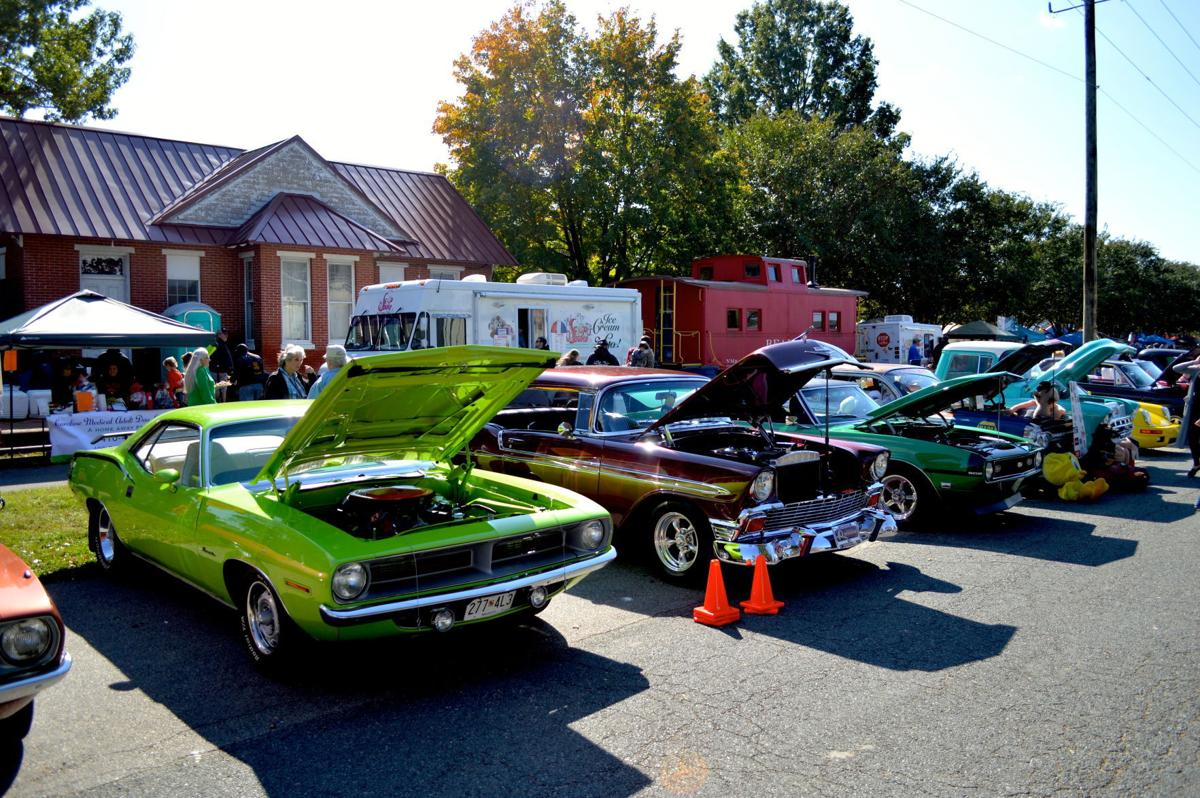 NASCAR Legend Richard Petty Visits Ridgely Car Show Spotlight - Ridgely car show