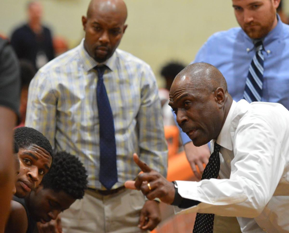 Dawgs rally past Easton in fourth