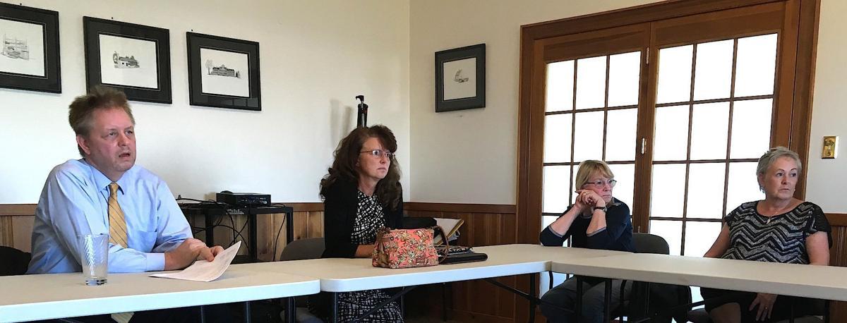 Memorial Playground Parents Seek Answers Satisfaction Local Stardem Com